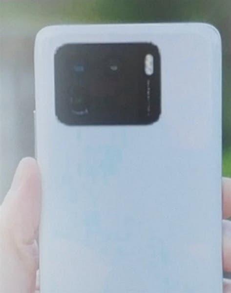 Xiaomi-Mi-11-Pro-1